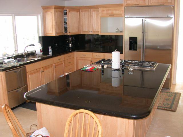 Kuchenne blaty granitowe – najlepsza pomoc każdej pani domu