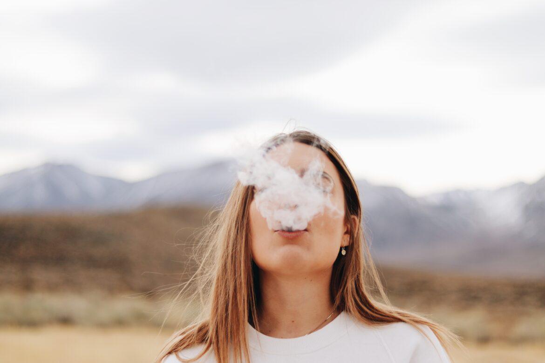 Elektroniczne papierosy – jak uniknąć niepotrzebnych kłopotów