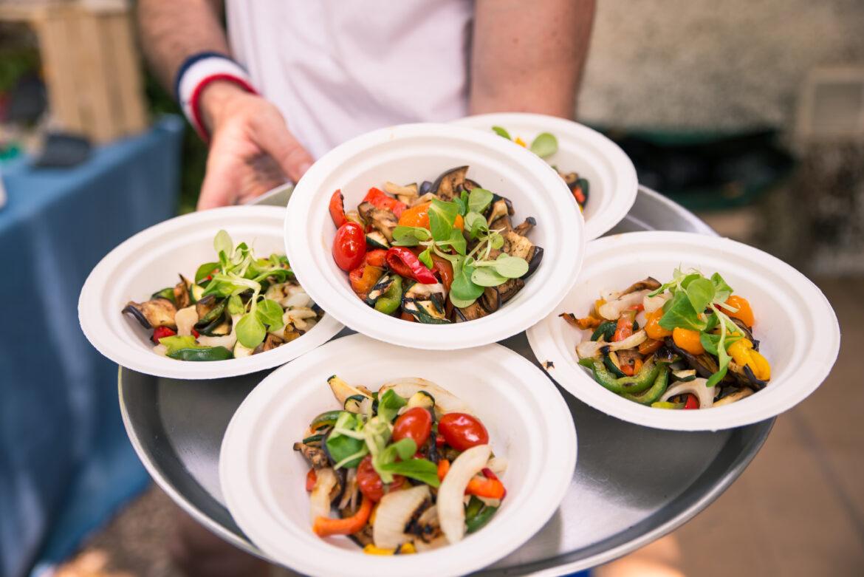 Obiady na dowóz Bełchatów — czemu warto dziś skorzystać z tej opcji