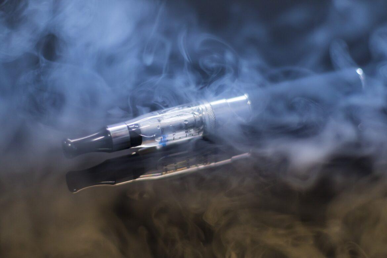 E papierosy – personalizacja i ochrona poprzez akcesoria